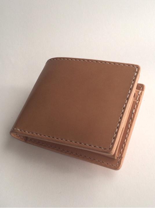 栃木レザーの二つ折り財布