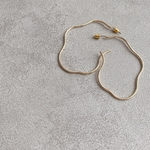 nuance hoop pierce (gold)