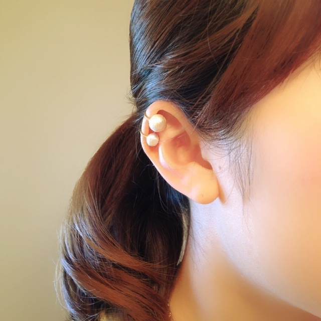 two pear earcuff.