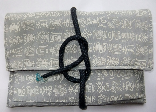着物リメイク羽織の裏地で作った和風財布 979