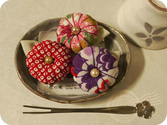 和菓子風お花のブローチ(柄)