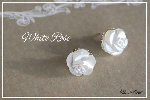 シンプル White Rose ピアス