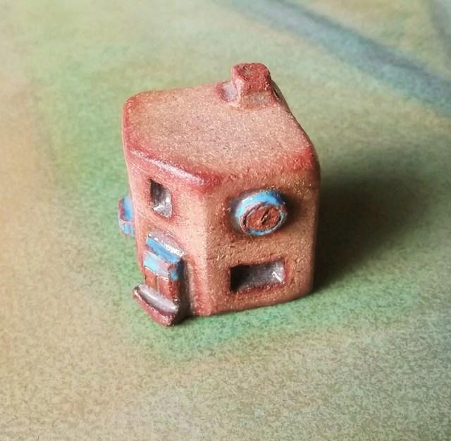 陶の家-角地のビルヂング