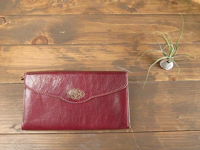 【再】エンジ革に小さな楕円形フィリグリーの長持ち長財布