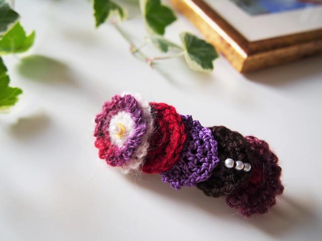 まるモチーフを編んだバレッタ(ワイン)