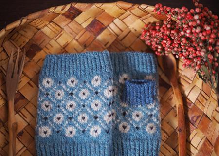エストニア毛糸の指無しミトン