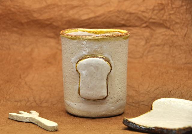 食パン印のコップ