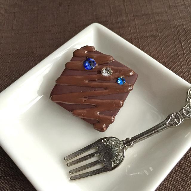 粒チョコのブローチ スクエア◆ブルー