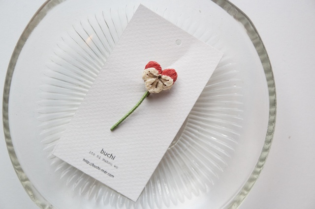ito hana brooch ( ビオラ/pink)