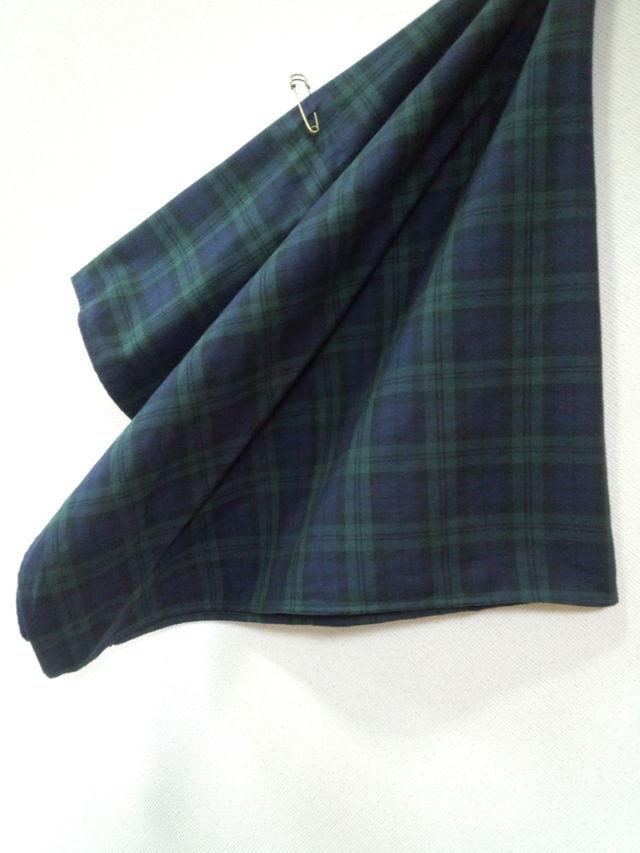 裏起毛のコットン素材のブラックウオッチ柄の大判スカーフ