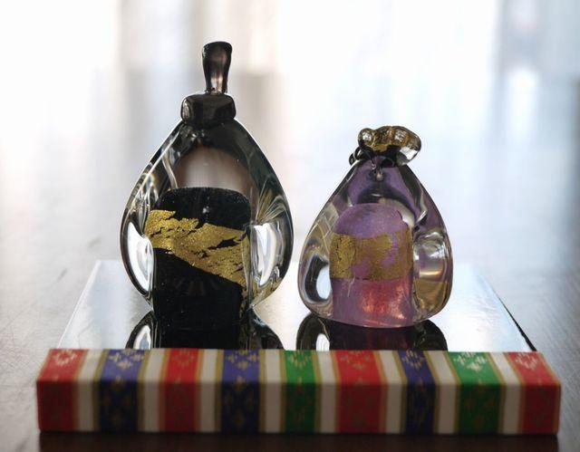 ガラスのペンギンお雛様(漆黒&薄紫)