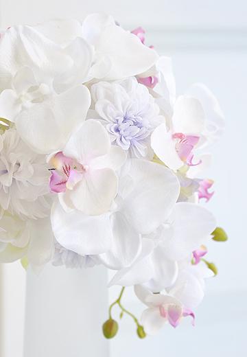 シルク風胡蝶蘭のエレガントブーケ