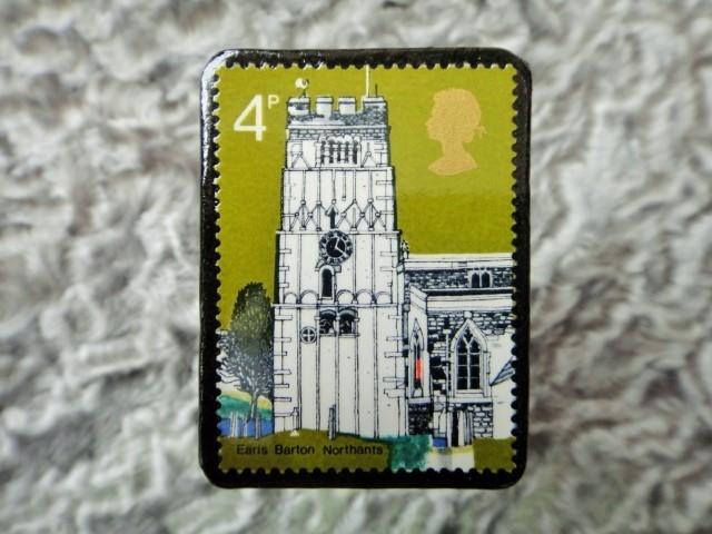 イギリス 切手ブローチ675
