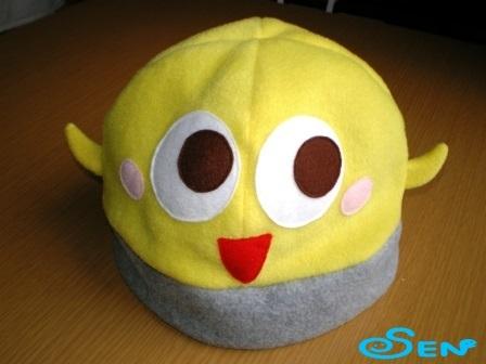 何かのぞいてるフリース帽1