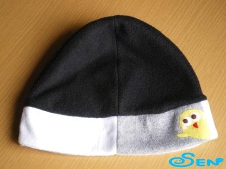 何かのぞいてるフリース帽2
