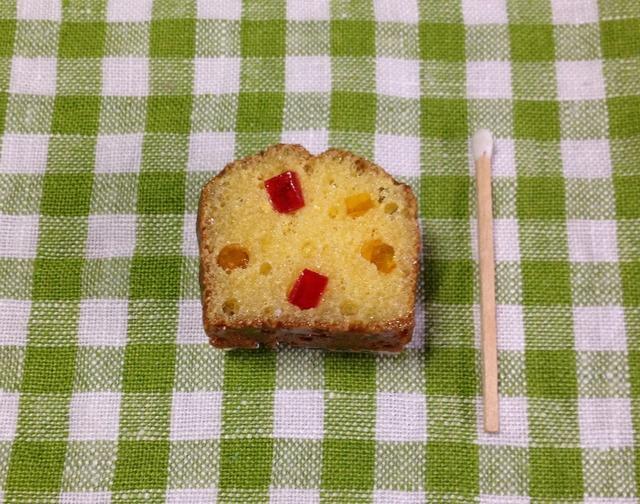 パウンドケーキのマグネット