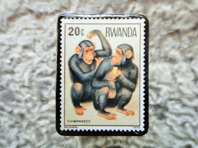 ルワンダ 切手ブローチ678