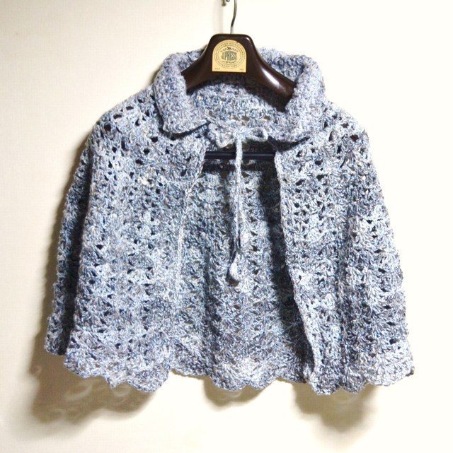 透かし編みのふわっとケープ