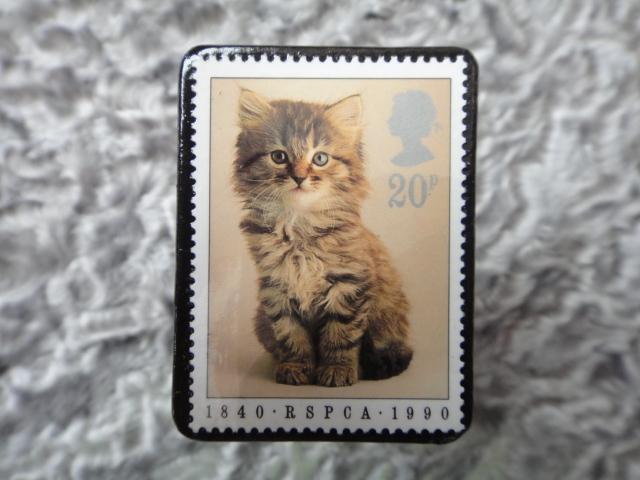 イギリス 切手ブローチ690