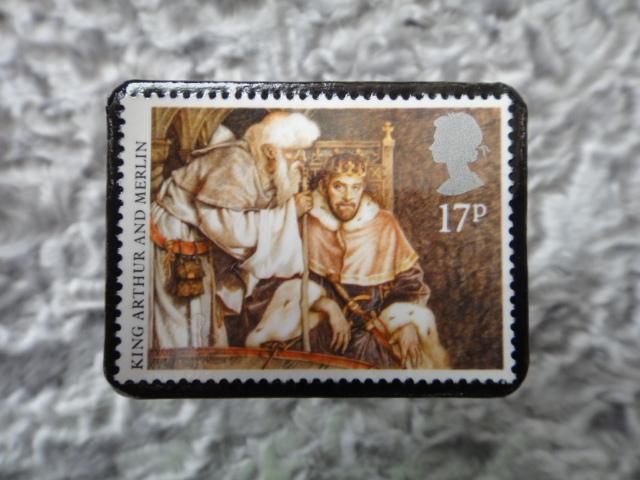 イギリス アーサー王物語切手ブローチ695