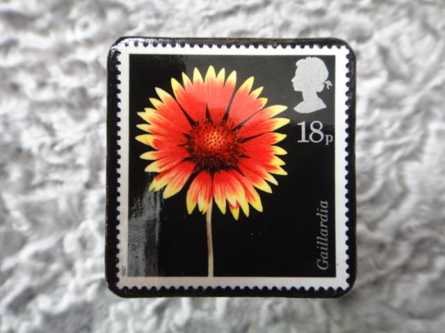 イギリス 切手ブローチ696