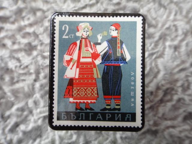 民族衣装切手ブローチ701