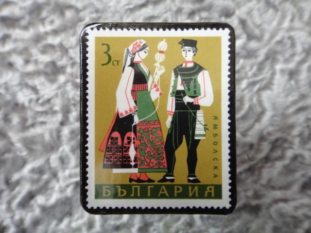 民族衣装切手ブローチ702