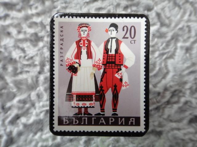 民族衣装切手ブローチ703