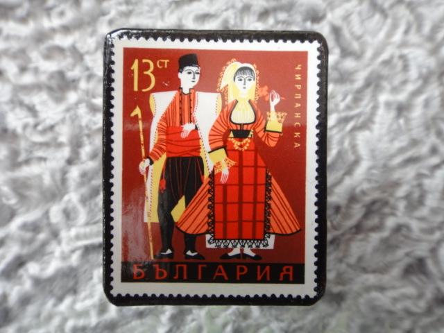 民族衣装切手ブローチ704