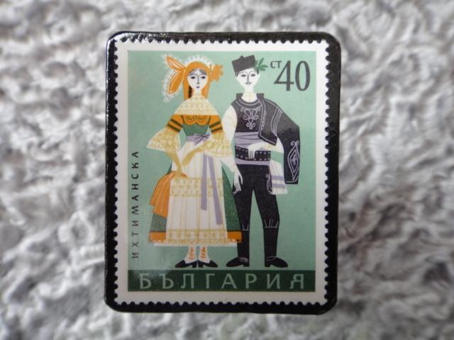 民族衣装切手ブローチ705
