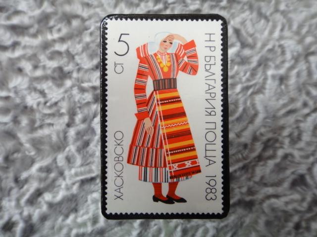 民族衣装切手ブローチ706