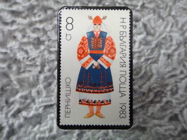 民族衣装切手ブローチ707