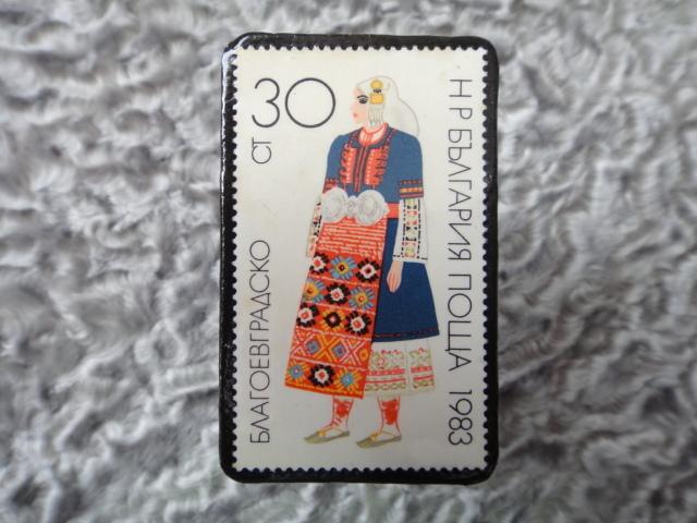民族衣装切手ブローチ710