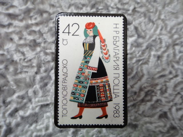 民族衣装切手ブローチ711