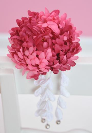 ピンポンマムの花の髪かざり