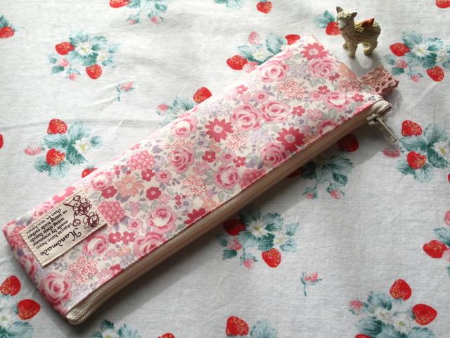 *ピンクの小花柄のペンケース*リバティ風*