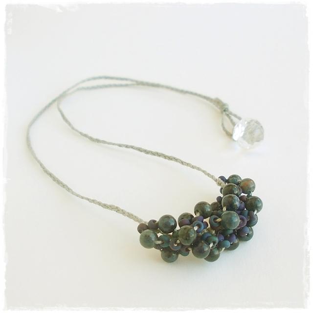 【金属フリー】凍った青のネックレス