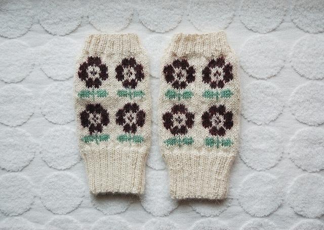 手編みの指なしミトン【ラトビアフラワー】ボルドー 1点限り