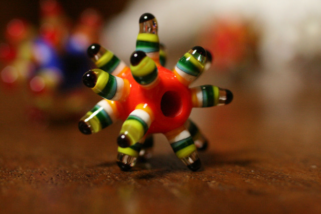 glass beads (とんぼ玉)刺玉/人参色