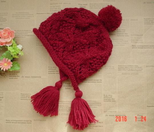 ☆彡ワインレッド色のタッセル付〜お耳もすっぽりカバーして暖かニット帽