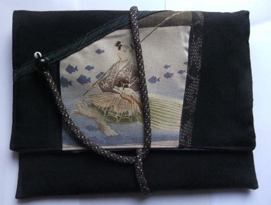 着物リメイク 黒の羽織で作ったタブレット入れ 1035