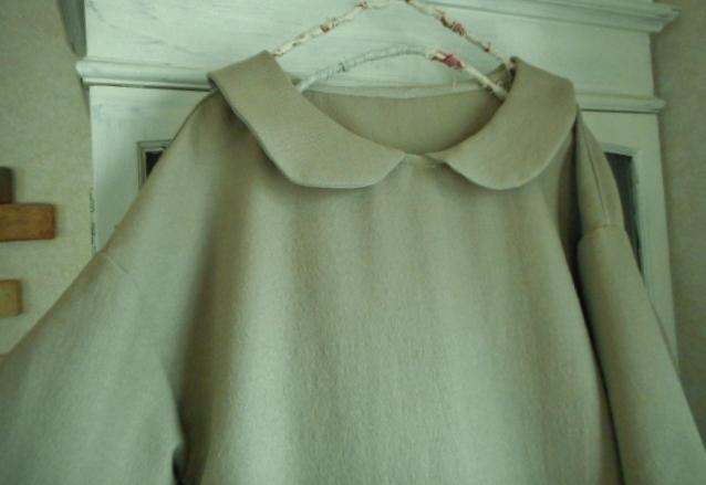 コットンウールの丸襟切り替えギャザーワンピース