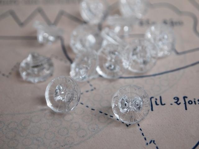 フランス 花柄のガラスボタン 2個セット