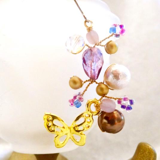舞い踊る蝶のチタンピアス アメジストの谷(片耳用・イヤリングに変更可)p-10