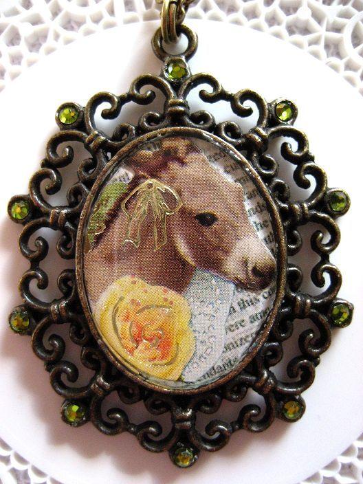 お馬さんと黄色いバラのロングネックレス_115