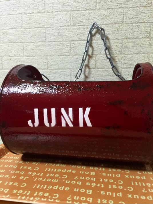 JUNKリメ缶??デカっ^^;