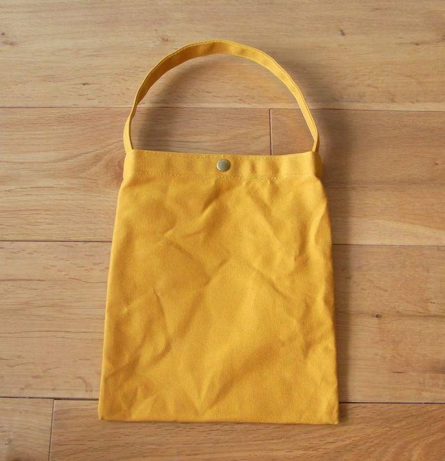 *再販* パラフィン帆布のぺたんこバッグ からし色