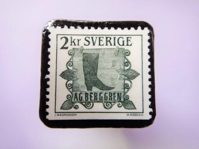 スウェーデン 看板切手ブローチ733