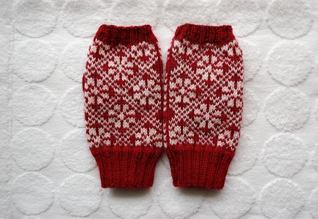 手編みの指なしミトン【ラトビアアレンジ】 赤×エッグホワイト