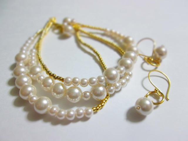 《送料無料》ホワイトパール3連ブレス&ピアスセット